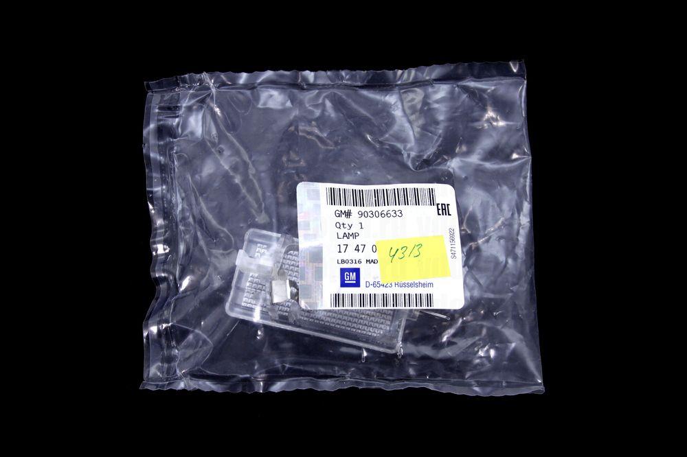 GM 90306633  - Осветитель бардачка. GM
