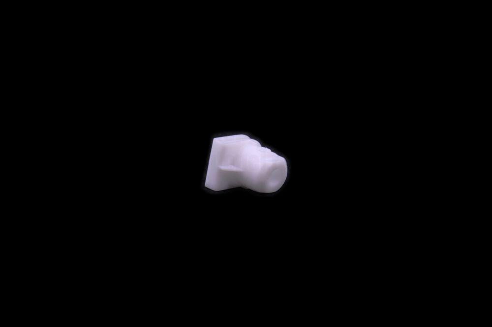 GM 90589616  - Гайка пластмассовая. Белая