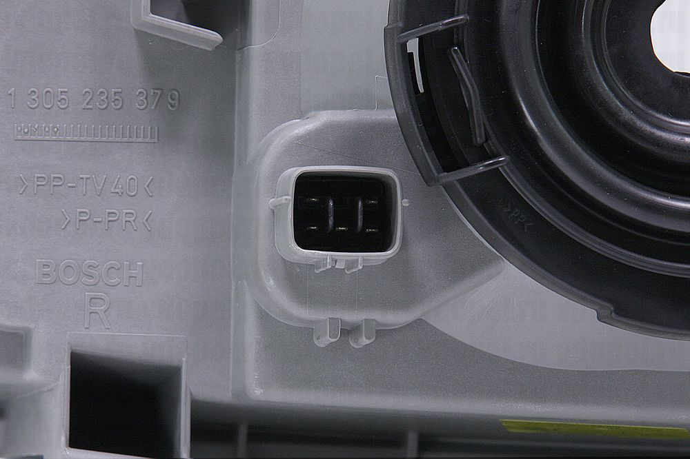 GM 91157026  - Фара Фронтера В 99-01 прав.