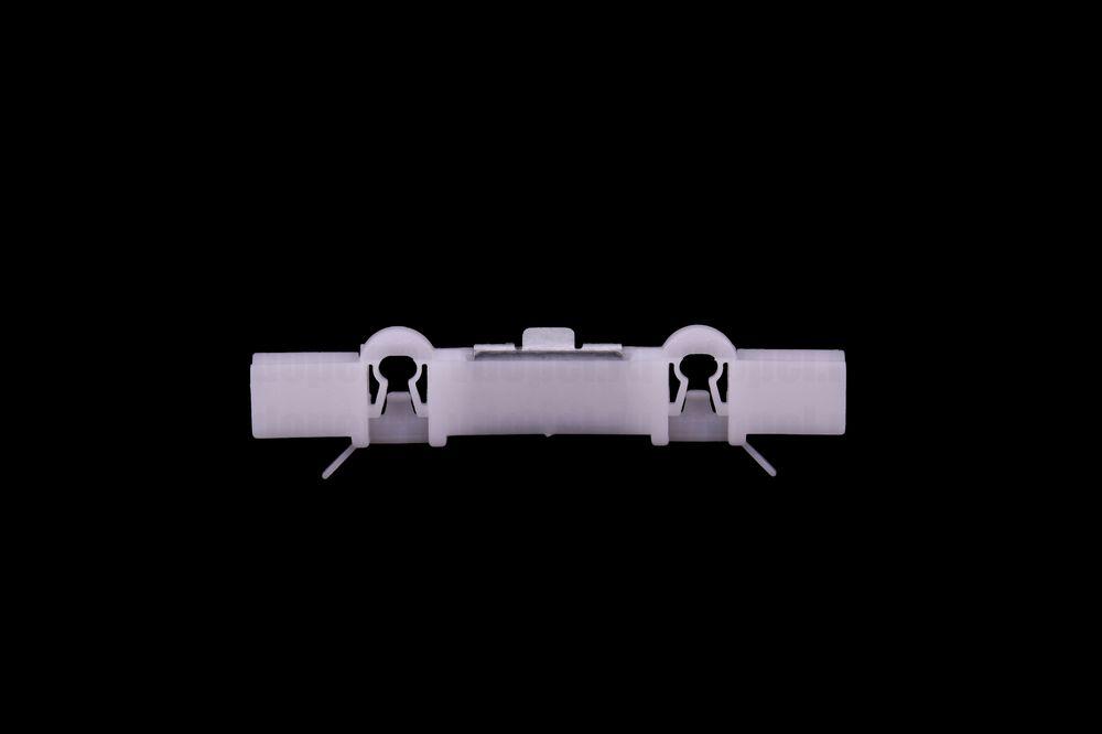 GM 9133248  - Клипса крепления молдингов крыши. Астра G после.